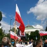 Żądamy uchwalenia  11 Lipca Dniem Pamięci Ofiar Ludobójstwa na Kresach. Fotorelacja Andrzeja Szrajnera z manifestacji pod Sejmem w dniu 7 lipca_036