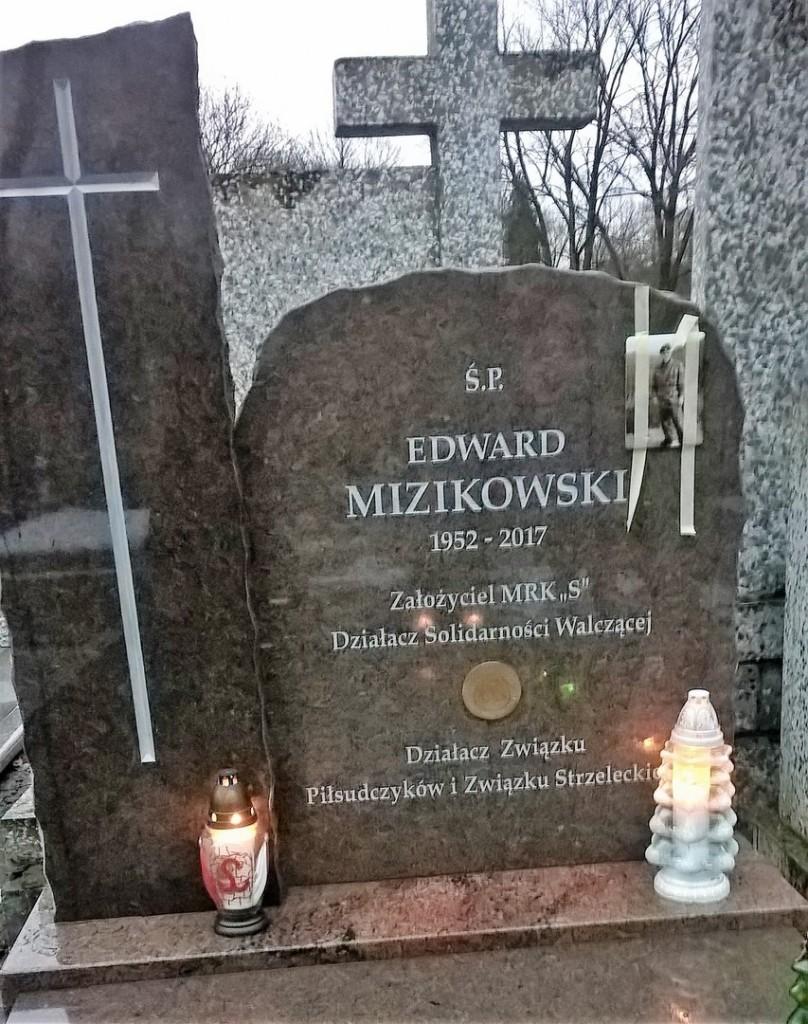 Edward Mizikowski pomnik