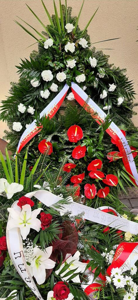 Odsloniecie-tablicy- pamiatkowej-poswieconej Kornelowi-Morawieckiemu-4